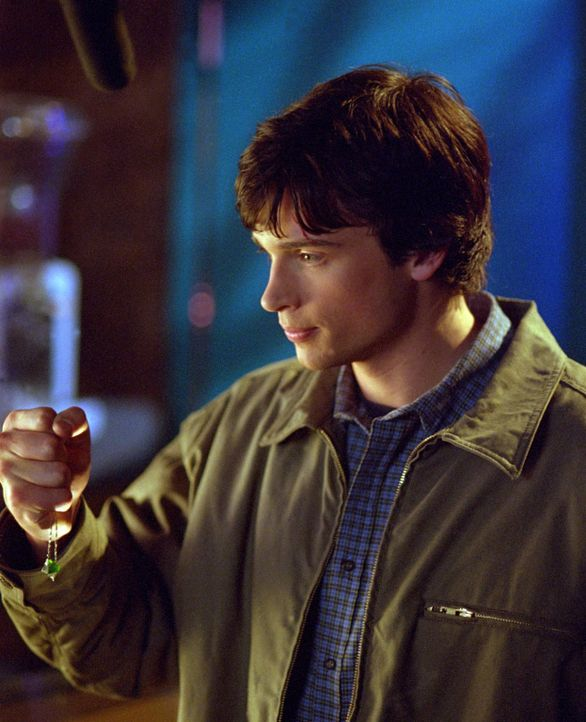 Clark (Tom Welling)  muss feststellen, dass er plötzlich seine Kräfte nicht mehr besitzt und somit verletzlich ist ... - Bildquelle: Warner Bros.
