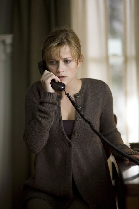 Während Isabella (Reese Witherspoon) noch hofft, ihren Mann schon bald unversehrt in die Arme schließen zu können, wird dieser bereits einer grau... - Bildquelle: Warner Brothers