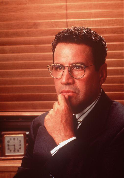 Der meist etwas mürrische und launische Verwaltungschef des Krankenhauses, Norman (Michael Tucci). - Bildquelle: Viacom