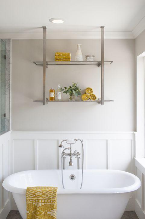 Wer möchte sich bei diesem Anblick nicht auch direkt ein heißes Bad einlassen? Hat Renovierungsprofi Joanna mit ihrer Inneneinrichtung, in der jedes... - Bildquelle: jennifer boomer 2015, HGTV/ Scripps Networks, LLC.  All Rights Reserved.