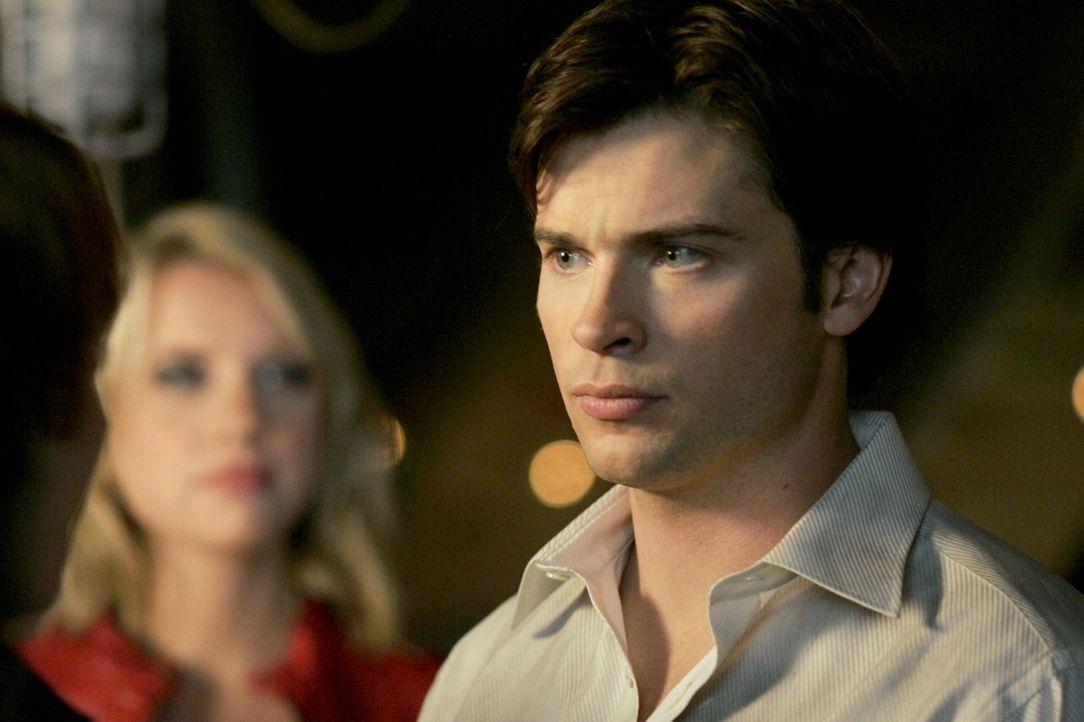 Wie wird sich Clark (Tom Welling, r.) entscheiden, als die Legion ihn vor eine grausame Wahl stellt? - Bildquelle: Warner Bros.