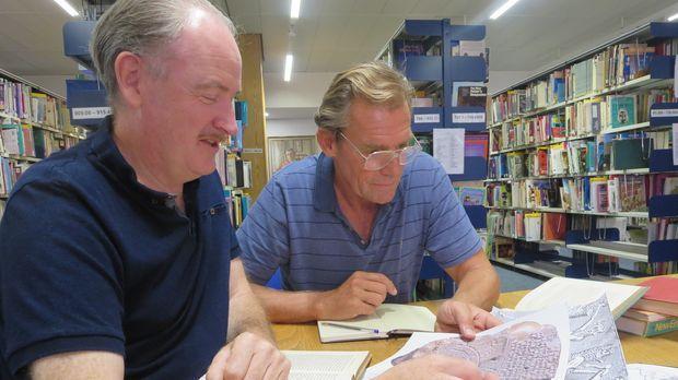 Die zwei Meeresforscher Walter Pitman (l.) und Bill Ryan (r.) wollen herausfi...