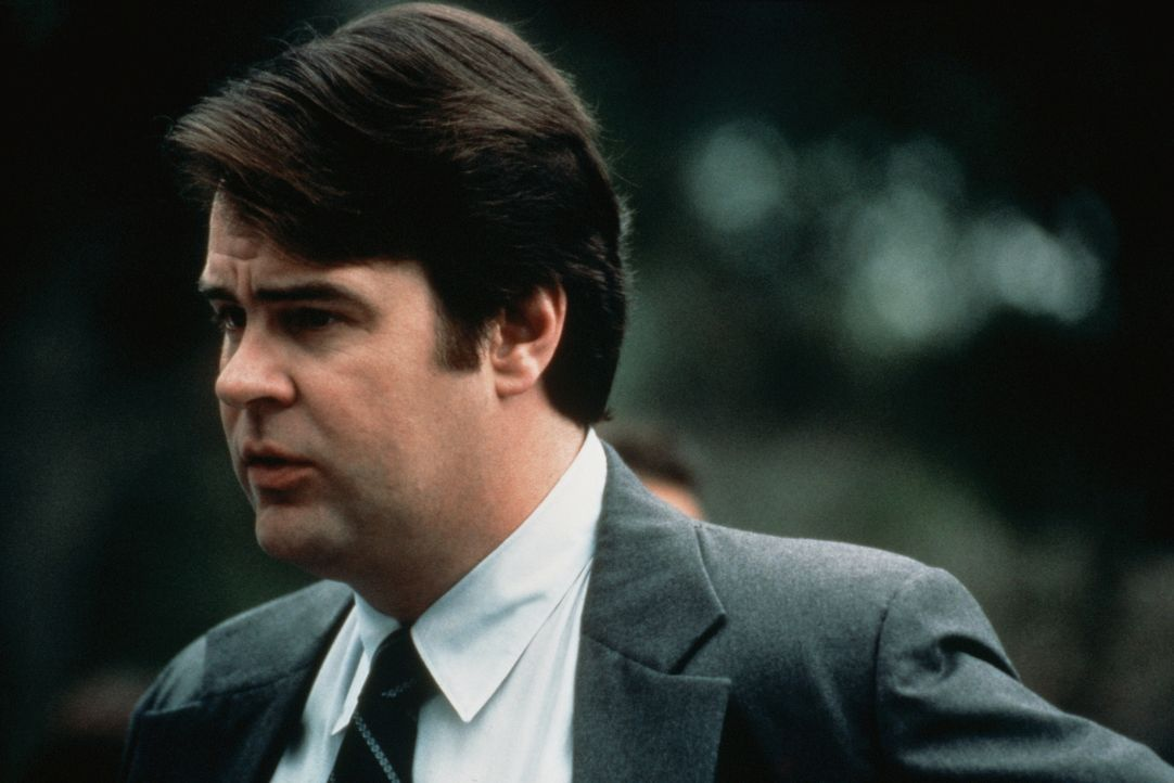 In seinem Job gibt's nichts zu lachen: Bestattungsunternehmer Harry (Dan Aykroyd) nimmt das Leben nicht von der leichten Seite ... - Bildquelle: Columbia Pictures