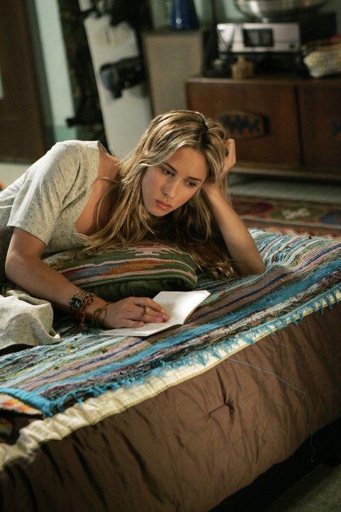Ivy Sullivan (Gillian Zinser) ist zutiefst enttäuscht von Dixon ... - Bildquelle: TM &   CBS Studios Inc. All Rights Reserved