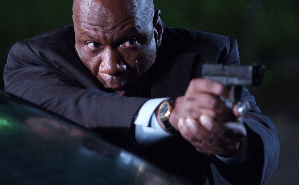 Wagt das schier Unmögliche: FBI-Agent Dave Grant (Ving Rhames) ... - Bildquelle: MOBICOM HOLDINGS, S.A.