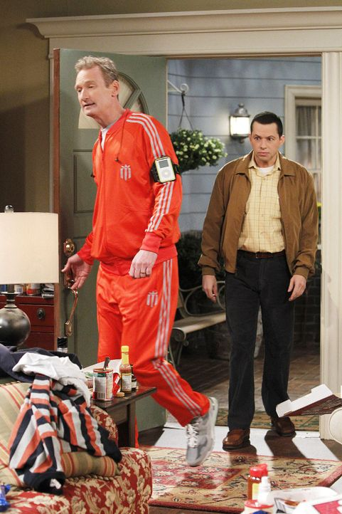 two-and-a-half-men-stf10-epi14-Wer-hat-in-meinen-Busch-gepinkelt-05-Warner-Bros-Television.jpg 1024 x 1536 - Bildquelle: Warner Bros. Television
