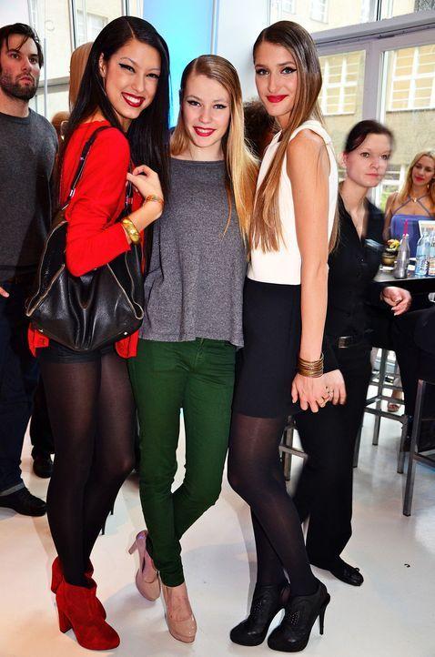 fashion-week-berlin-12-01-21-rebecca-amelie-klever-leyla-mertwennjpg 1258 x 1900 - Bildquelle: WENN