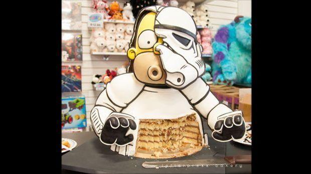 Angeschnittener Homer-Simpson-Stormtrooper-Kuchen
