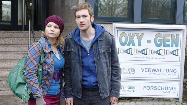 Der junge Maurer Frank Droste (Max Engelke, r.) leidet seit einem Medikamente...