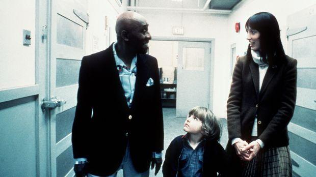 Dick Halloran (Scatman Crothers, l.) führt Wendy (Shelley Duvall, r.) und Dan...
