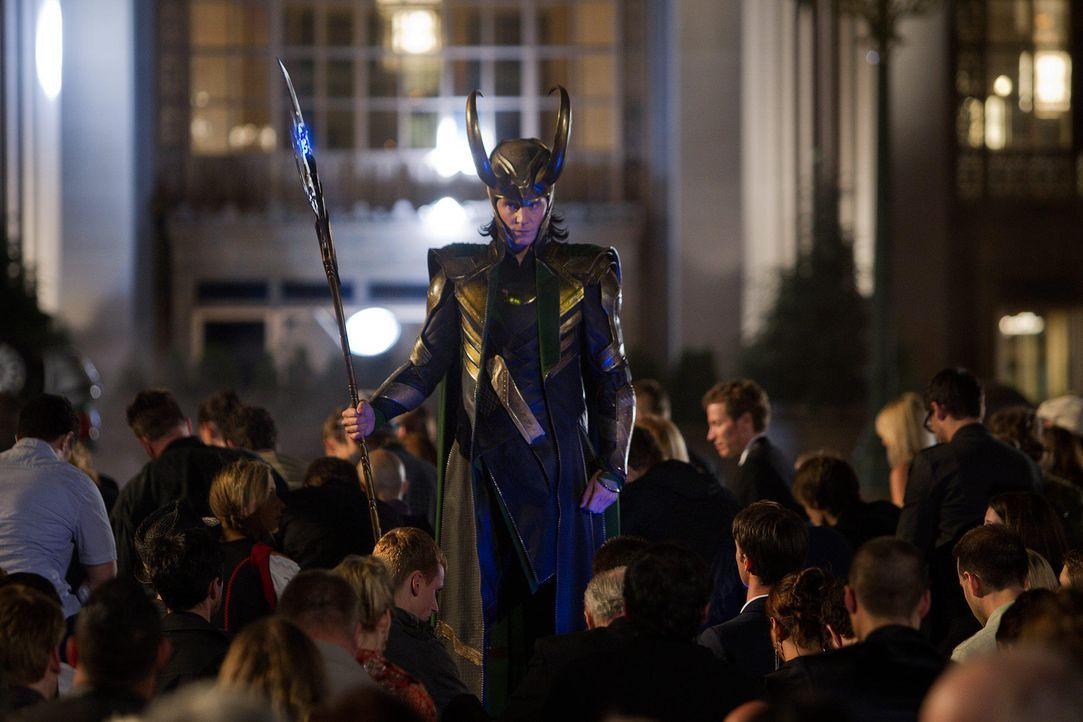 the-avengers-extra-047-2011-mvlffllc-tm-2011-marveljpg 2000 x 1333 - Bildquelle: 2011 MVLFFLLC TM & 2011 Marvel