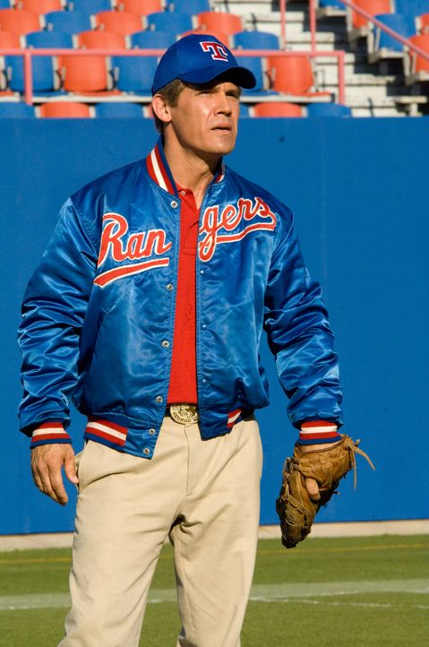 """Vom Manager der Baseballmannschaft """"Texas Rangers"""" zum Gouverneur: George W. Bush (Josh Brolin) ... - Bildquelle: Sidney Ray Baldwin 2008 Lionsgate Entertainment. All Rights reserved."""