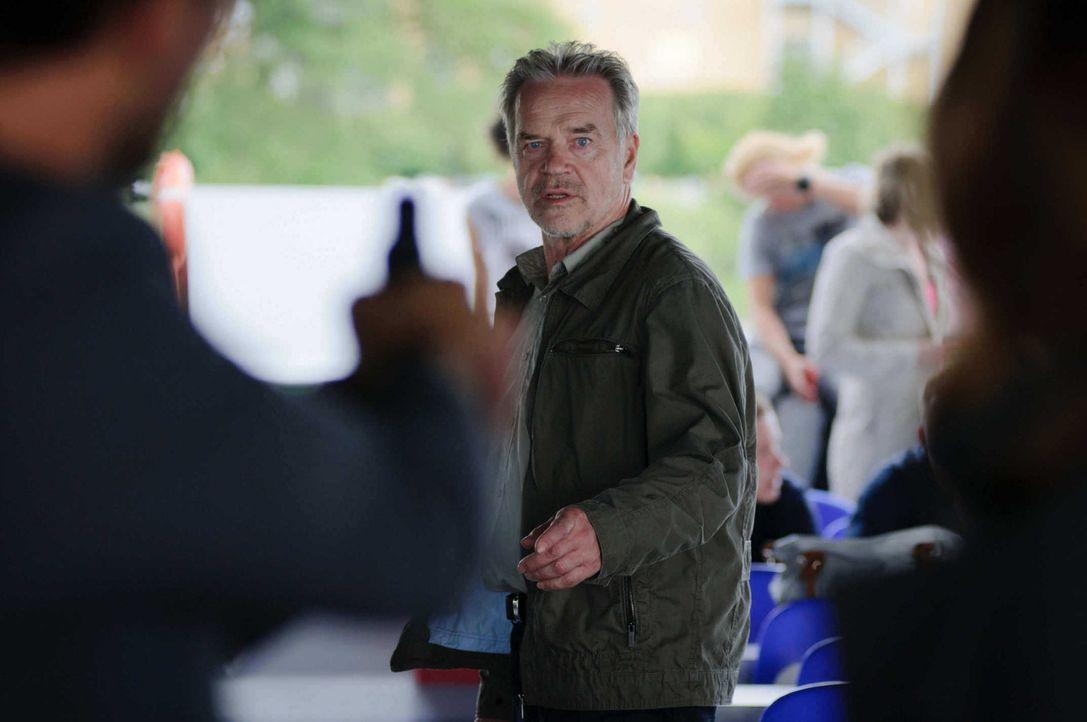 Beinahe zu spät, erkennt Marck, was seinen ehemaligen Kollegen Wolff (Jürgen Heinrich) antreibt ... - Bildquelle: Stefan Erhard SAT. 1