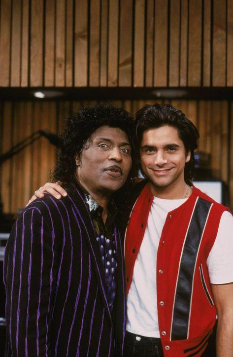 Von Musiker zu Musiker: Little Richard (Little Richard, l.) und Jesse (John Stamos, r.) ... - Bildquelle: Warner Brothers Inc.
