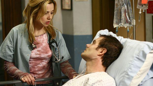 Sams (Linda Cardellini, l.) Ex-Mann Steve (Garret Dillahunt, r.) wird wegen a...