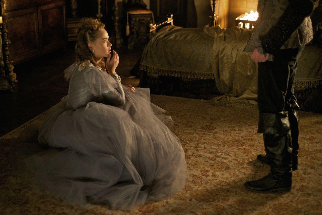 Als Claude (Rose Williams) während ihrer Hochzeitsnacht in Gefahr gerät, wird der Machtkampf um die Herrschaft in Frankreich auf eine neue Stufe geh... - Bildquelle: Sven Frenzel 2016 The CW Network, LLC. All rights reserved.