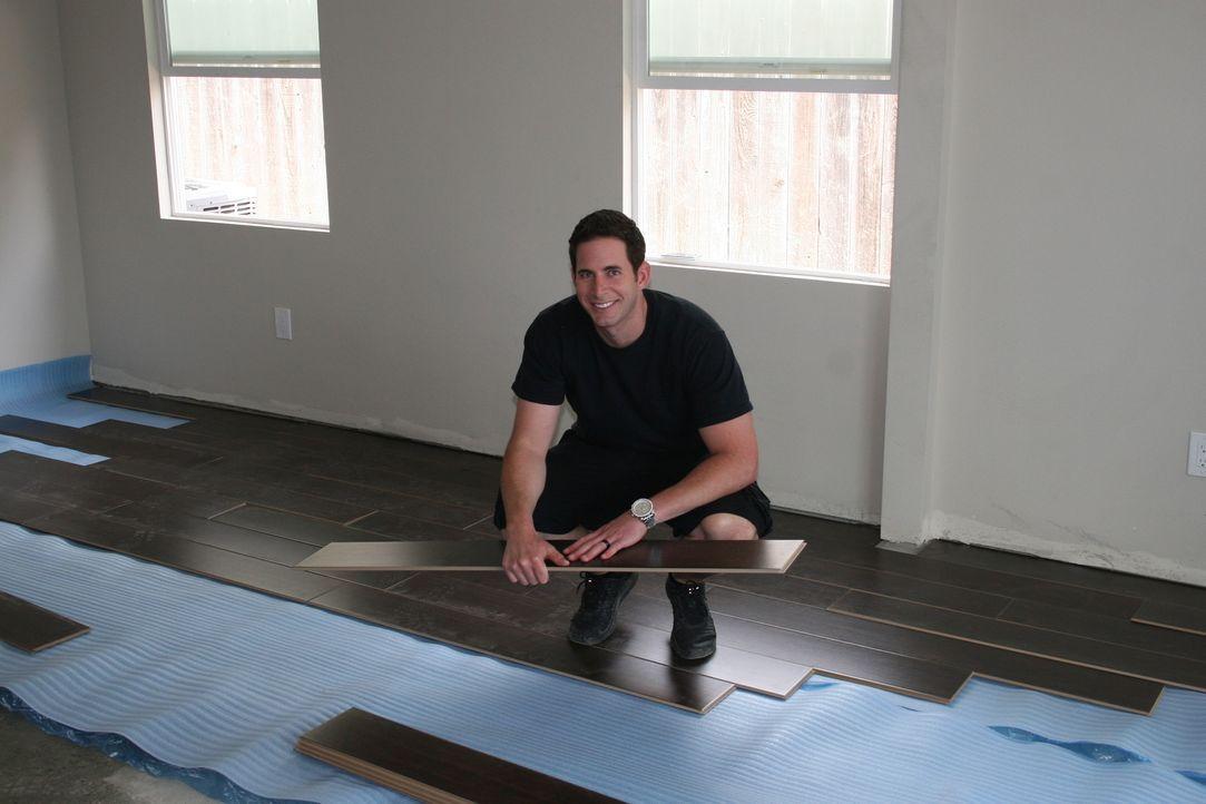 Ein neues Haus aus der Zwangsversteigerung wartet auf eine Renovierung. Kann El Moussa das Haus später mit Gewinn verkaufen? - Bildquelle: 2014,HGTV/Scripps Networks, LLC. All Rights Reserved