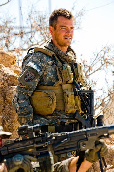 Major William Lennox (Josh Duhamel) arbeitet für die Organisation NEST (Nonbiological Extraterrestrial Species Team), die gemeinsam mit den Autobot... - Bildquelle: MMIX DW STUDIOS L.L.C. and PARAMOUNT PICTURES CORPORATION. All Rights Reserved.