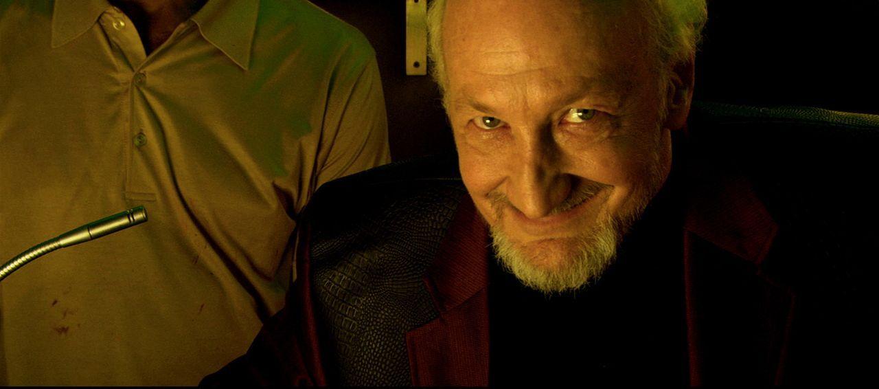 """Der Besitzer der Strip-Bar """"Rhino's"""", Ian Essko (Robert Englund), hat eine Idee, wie er seine untoten Stripperinnen noch gewinnbringender einsetzen... - Bildquelle: 2007 Worldwide SPE Acquisitions Inc. All Rights Reserved."""
