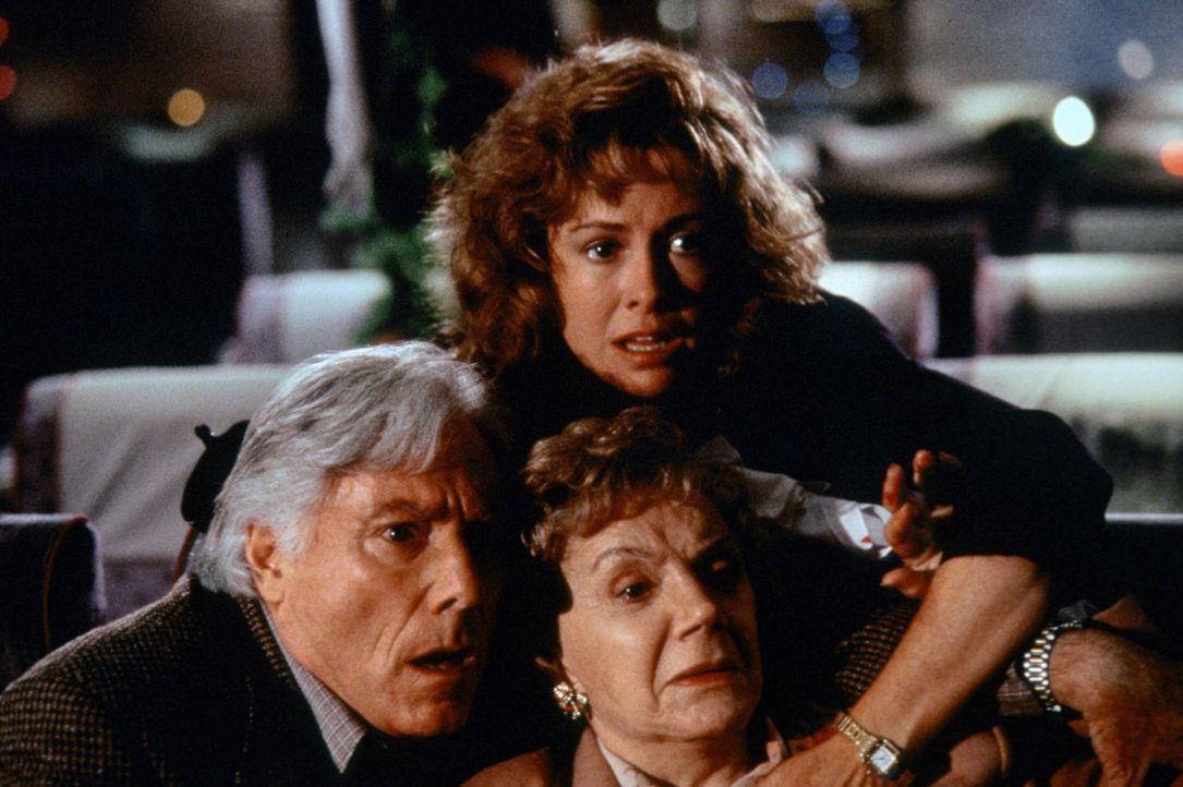 Mr. Kramer (Alan Bergmann, l.); Maggie (Catherine Hicks, M.); Mrs. Kramer (Danna Hansen, r.)