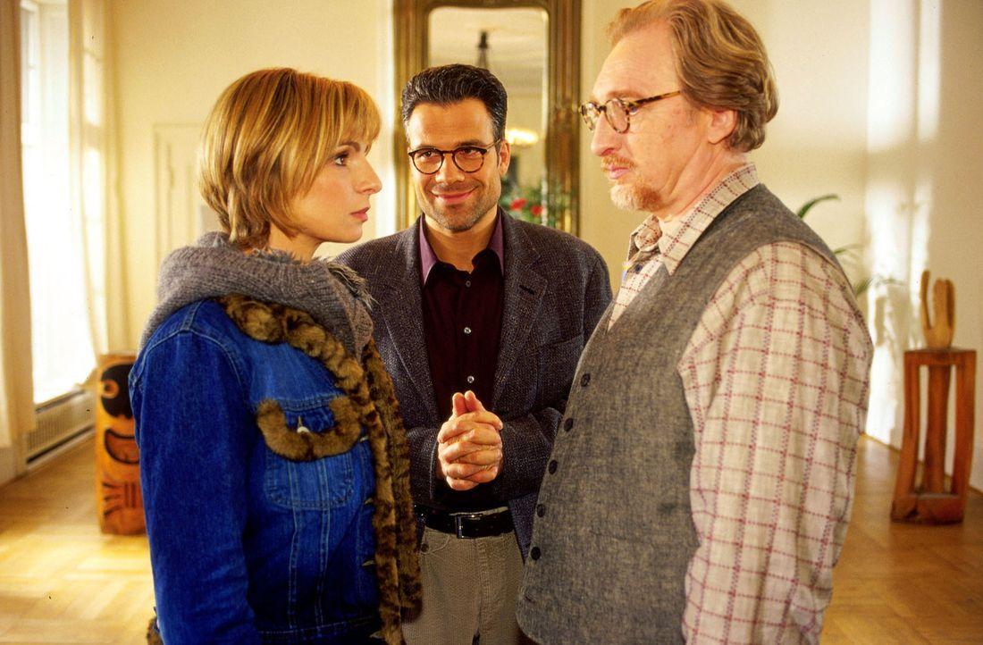 Claudia Sommer (Maria Bachmann, l.) nimmt auf Wunsch ihres Ex-Mannes Carl (Felix Manteuffel, r.) an einer Therapiestunde teil, die allerdings ganz a... - Bildquelle: Oliver Pflug SAT.1