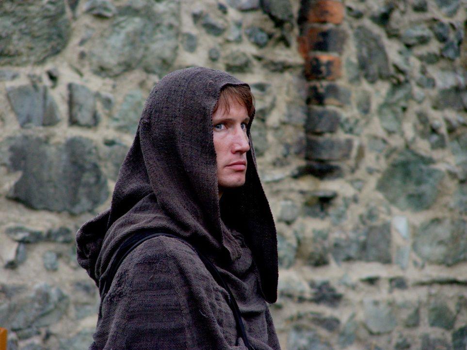 Können die Kinder dem jungen Mönch Thaddeus (Benno Fürmann) wirklich vertrauen? - Bildquelle: MFA+Filmdistribution
