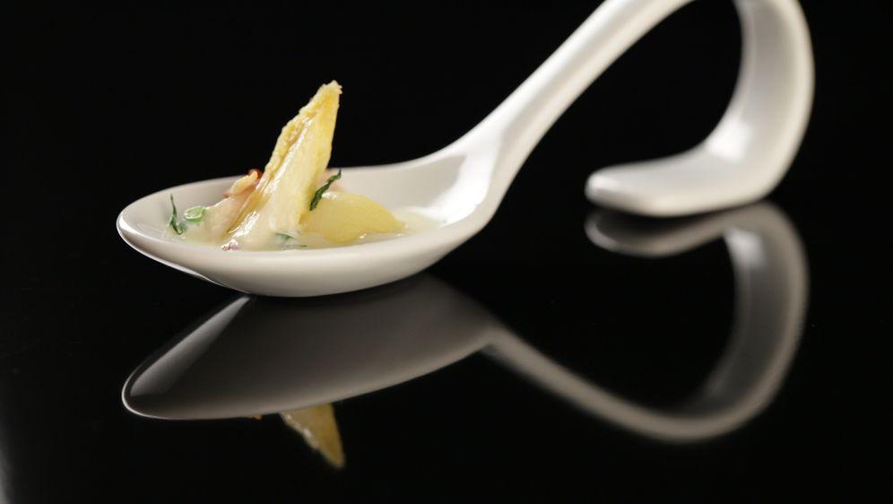 Forelle mit Parisienne-Kartoffeln - Bildquelle: SAT.1/ Young-Soo Chang