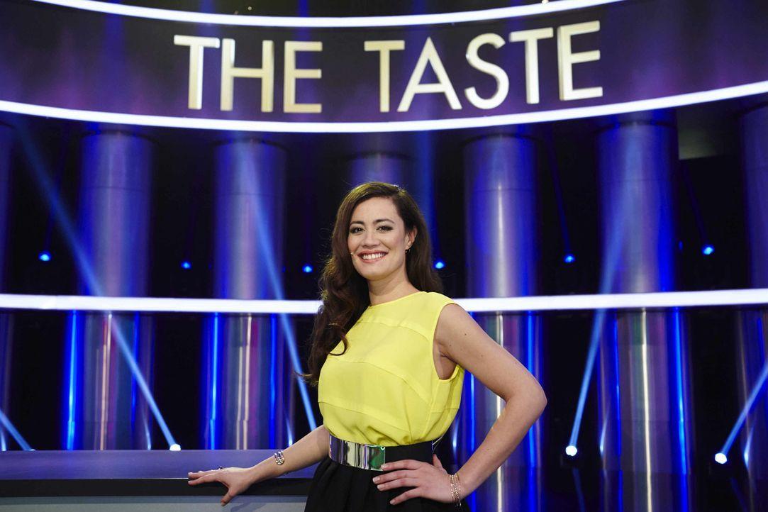 """Führt gut gelaunt durch """"The Taste"""": Moderatorin Christine Henning ... - Bildquelle: Benedikt Müller SAT.1"""