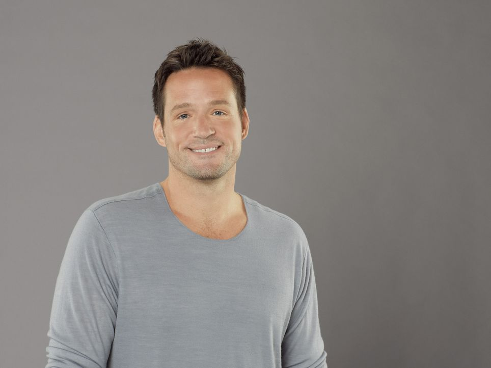 (3. Staffel) -Jules' bessere Hälfte: Nachbar Grayson (Josh Hopkins) ... - Bildquelle: 2011 American Broadcasting Companies, Inc. All rights reserved.