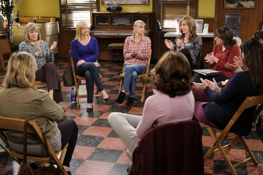 Auf (v.l.n.r.) Marjorie (Mimi Kennedy), Jill (Jaime Pressly), Christy (Anna Faris), Bonnie (Allison Janney) und Wendy (Beth Hall) wartet eine harte... - Bildquelle: 2018 Warner Bros.