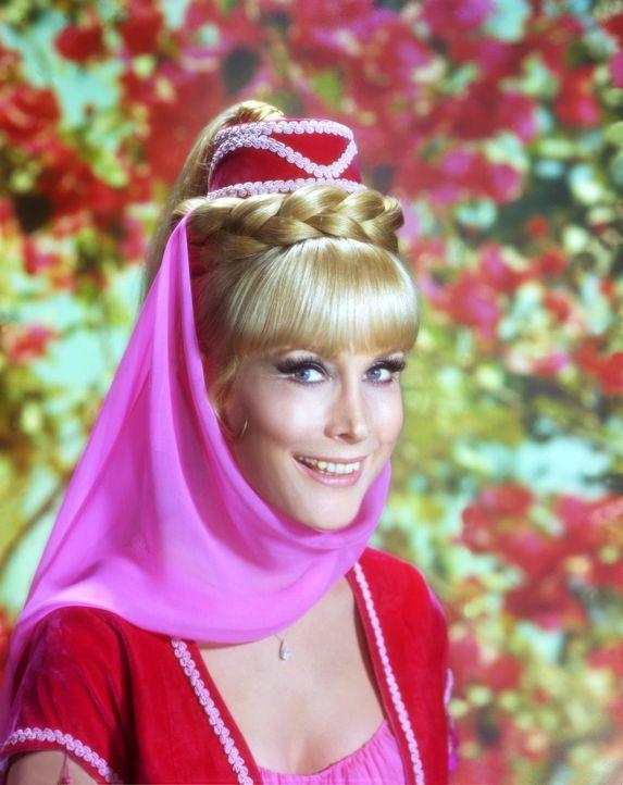 Sie verdreht nicht nur ihrem Meister den Kopf: die bezaubernde Jeannie (Barbara Eden) ... - Bildquelle: Columbia Pictures