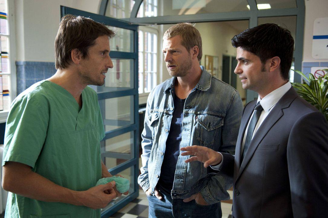Erst spät erkennen Mick (Henning Baum, M.) und Andreas (Maximilian Grill, r.), dass Markus Rietz (Oliver Mommsen, l.) gelogen hat. Aber ist er desh... - Bildquelle: SAT.1