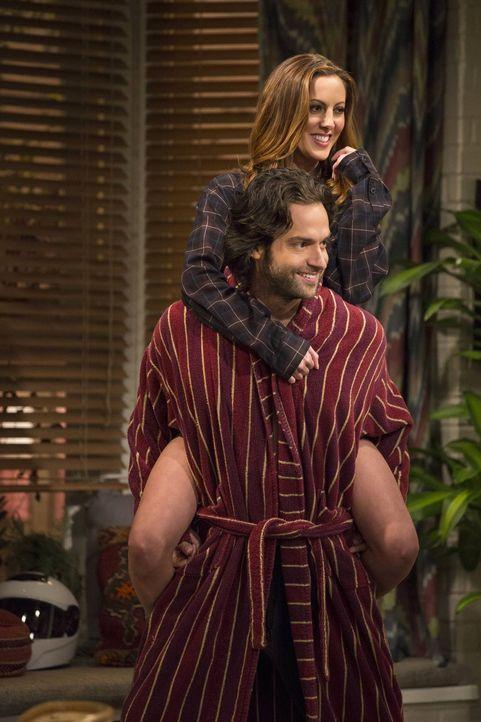 Sehr zu Justins Ärger hat Danny (Chris D'Elia, unten) Sabrina (Eva Amurri, oben) abgeschleppt ... - Bildquelle: Warner Brothers