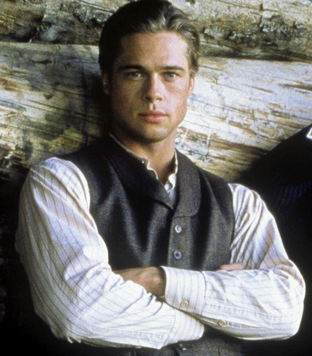 Nach dem Tod seines jüngsten Bruders plagen Tristan (Brad Pitt) Schuldgefühle. Er beschließt, für einige Zeit unterzutauchen ... - Bildquelle: TriStar Pictures