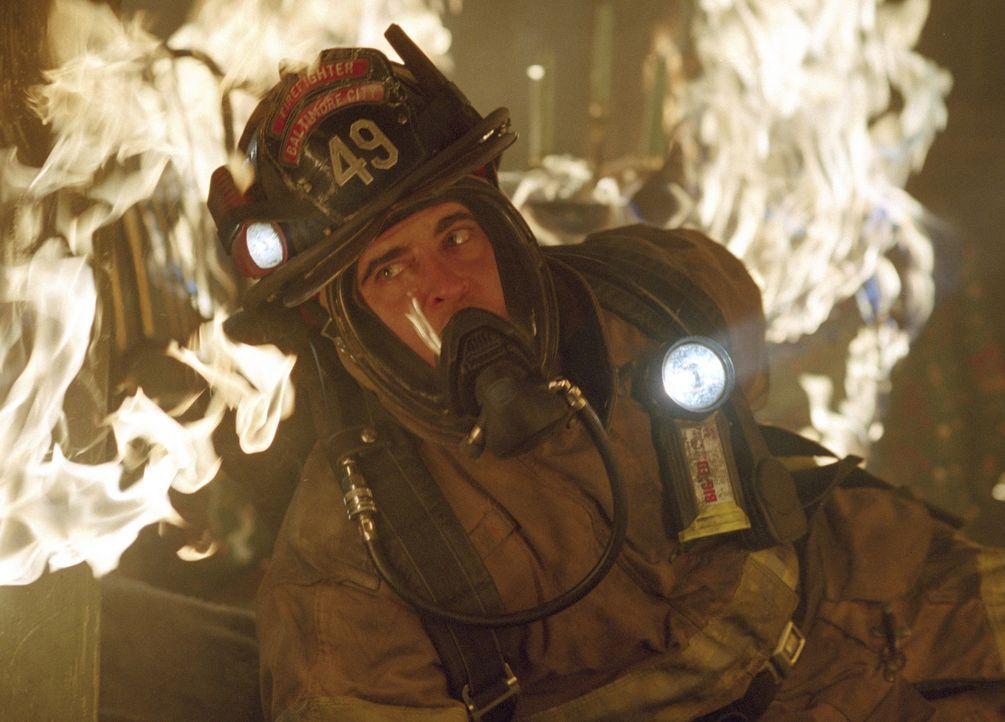 Der junge Feuerwehrmann Jack Morrison (Joaquin Phoenix) muss zu einem Hochhaus ausrücken, von dem Feueralarm gemeldet wurde. Tüchtig wie immer, ka... - Bildquelle: Buena Vista International.  All Rights Reserved