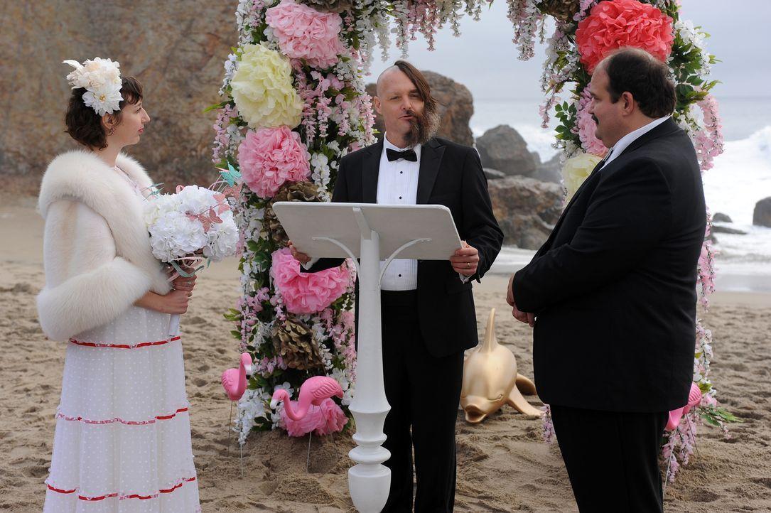 Carol (Kristen Schaal, l.) schlägt vor, mit Todd (Mel Rodriguez, r.) Sex zu haben - natürlich nur, um endlich schwanger zu werden. Wie wird Tandy (W... - Bildquelle: 2015-2016 Fox and its related entities.  All rights reserved.