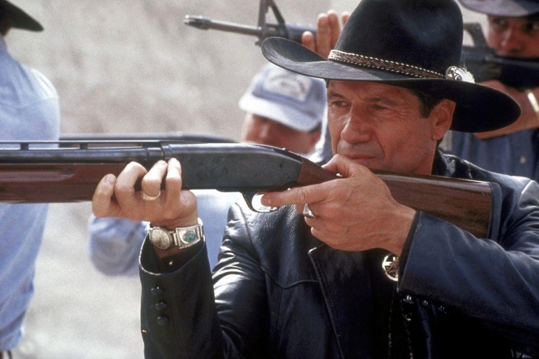 Welche Rolle spielt Jack Milton (Fred Ward) in dem mysteriösen Mordfall in einem Indianerreservat? - Bildquelle: TriStar Pictures