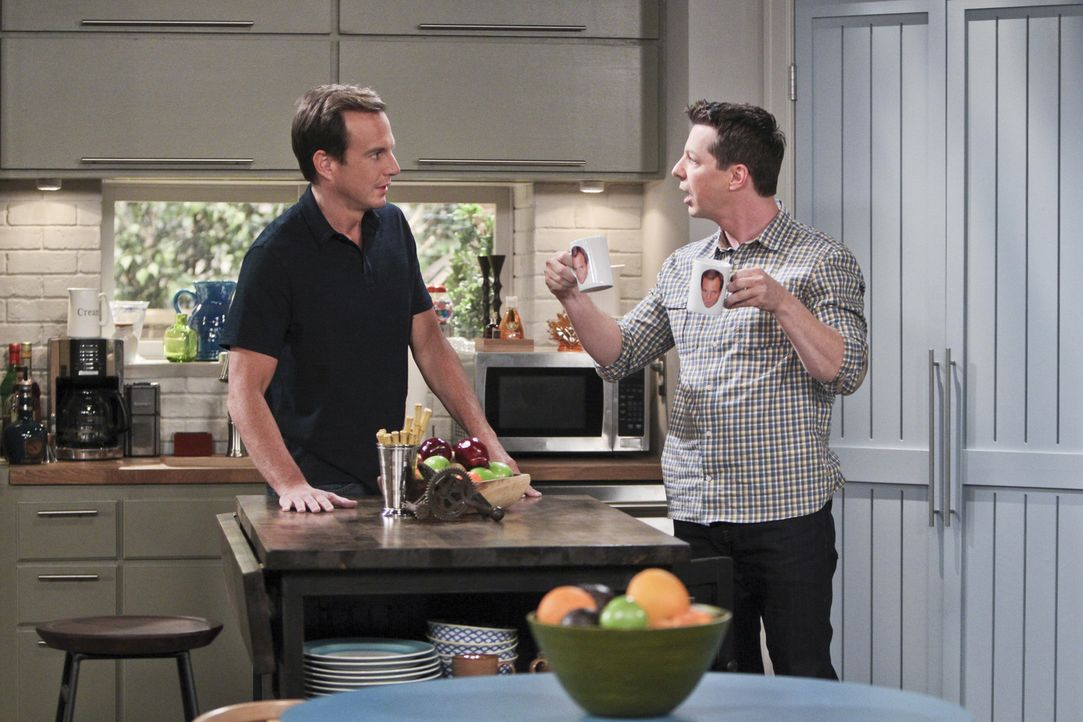 Während Debbie und Adam ihr Café aufgeben wollen, versucht Kip (Sean Hayes, r.) Nathans (Will Arnett, l.) Narzissmus zu therapieren ... - Bildquelle: 2014 CBS Broadcasting, Inc. All Rights Reserved.