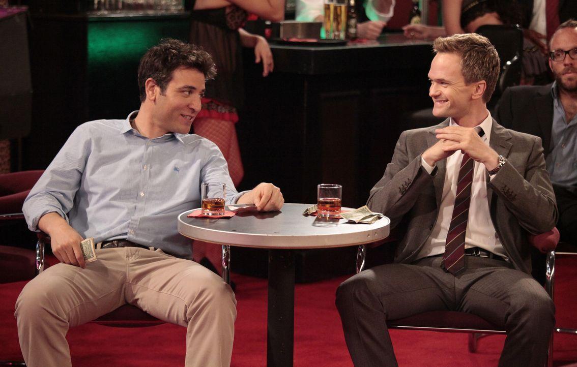 Männerabend: Ted (Josh Radnor, l.) und Barney (Neil Patrick Harris, r.) ... - Bildquelle: 20th Century Fox International Television