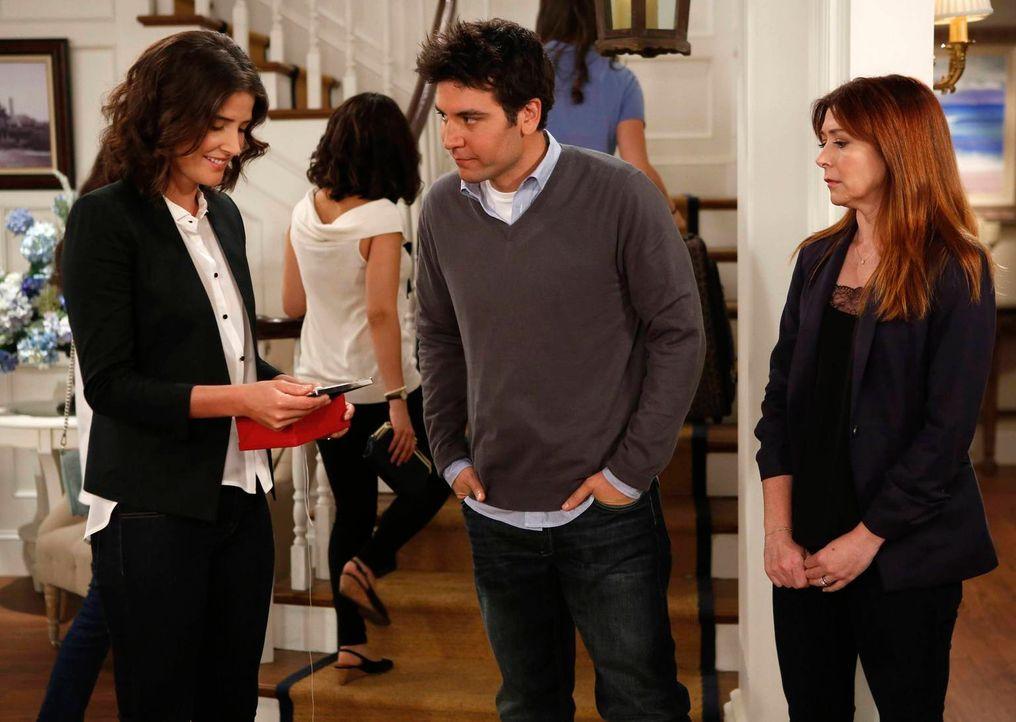 Während Marshall mit Marvin auf dem Weg nach New York ist, möchte Lily (Alyson Hannigan, r.), dass Ted (Josh Radnor, M.) Robin (Cobie Smulders, l.)... - Bildquelle: 2013 Twentieth Century Fox Film Corporation. All rights reserved.