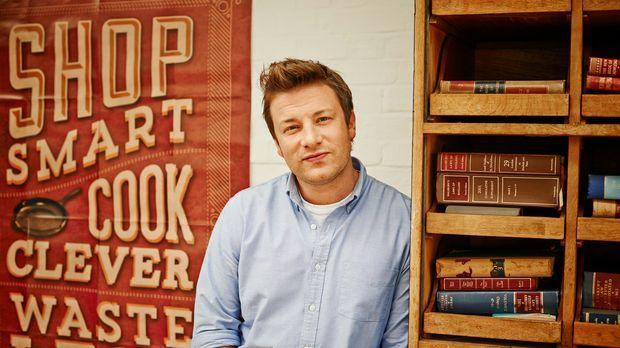 Der britische Starkoch Jamie Oliver zeigt in seiner Show, wie man auch mit ei...