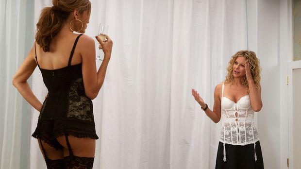 The Women - Ausgerechnet in der Umkleidekabine eines Wäscheladens trifft Mary...