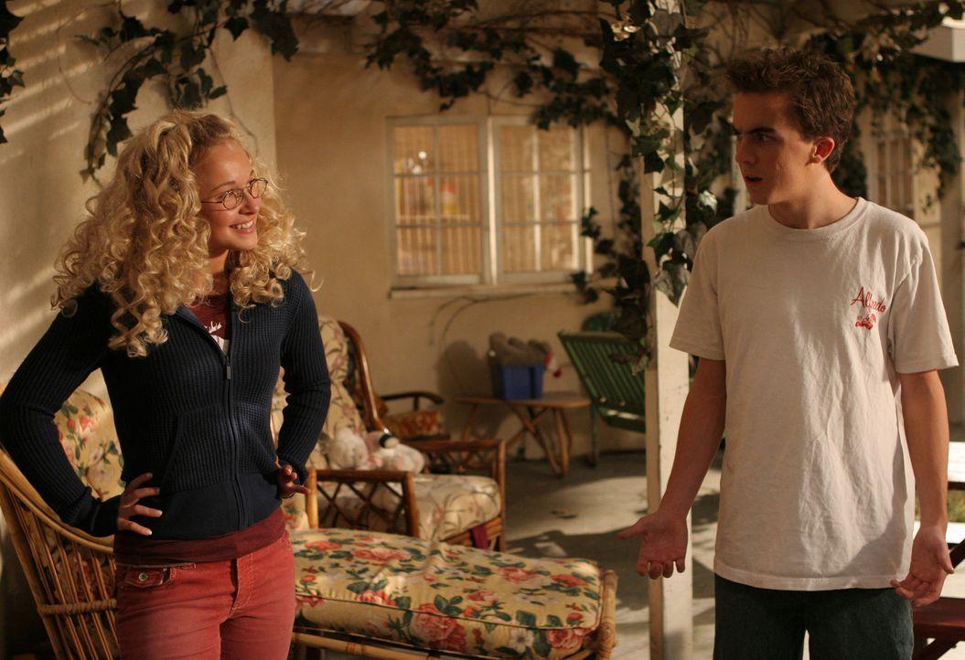 Jessica (Hayden Panettiere, l.) hat einen guten Tipp für Malcolm (Frankie Muniz, r.) ... - Bildquelle: TM +   2000 Twentieth Century Fox Film Corporation. All Rights Reserved.