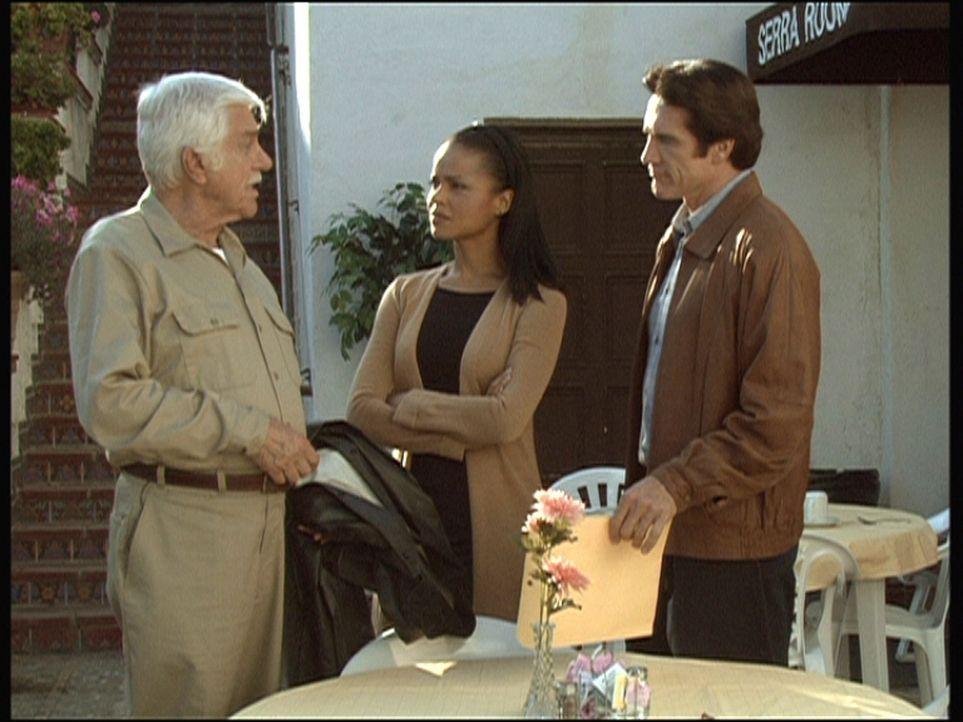 In dem Kloster, in das sich Amanda (Victoria Rowell, M.) zur Besinnung zurückgezogen hat, wird ein Mann ermordet. Steve (Barry Van Dyke, r.) und Ma... - Bildquelle: Viacom