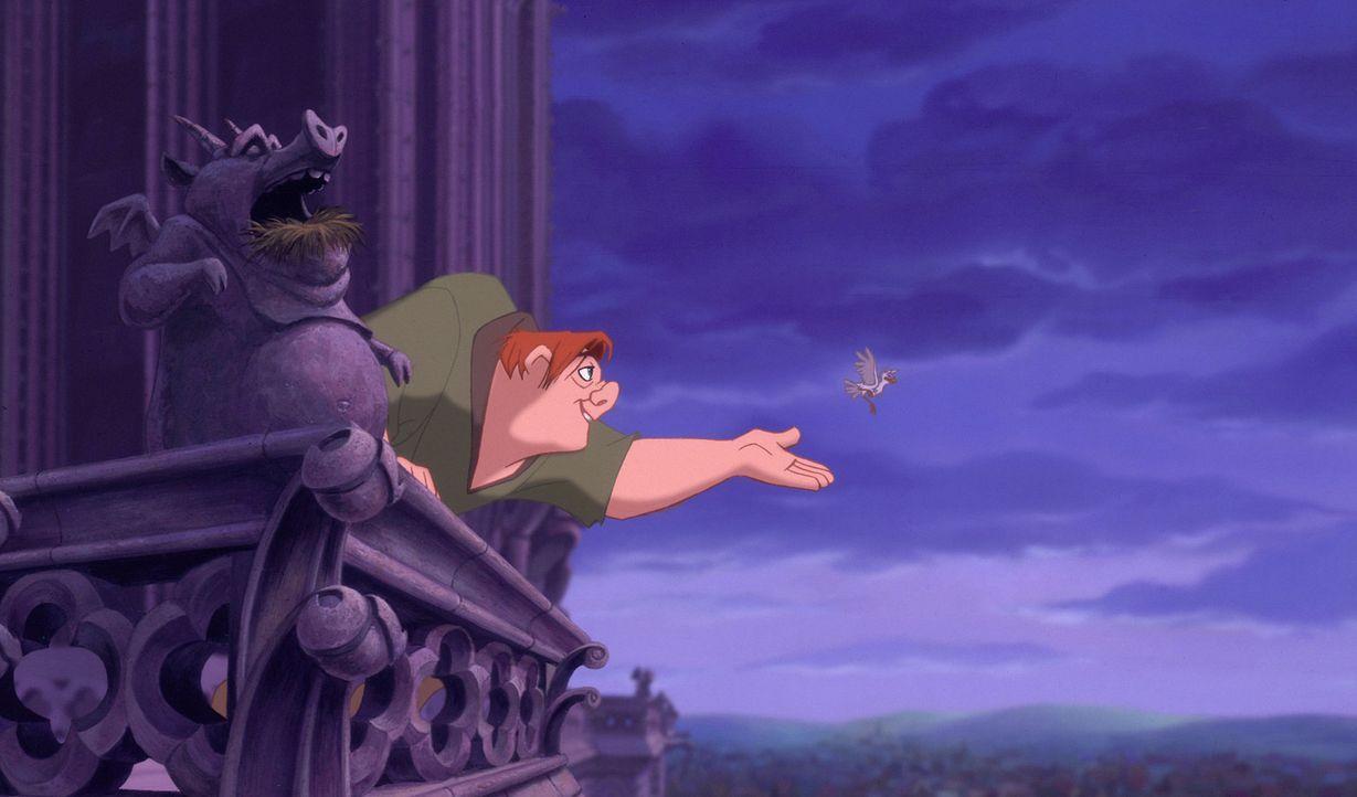 Hoch über den Dächern von Paris: Auf dem Glockenturm verfolgt der Glöckner Quasimodo sehnsüchtig das Fest der Narren - die fröhlichste Party des Jah... - Bildquelle: The Walt Disney Company