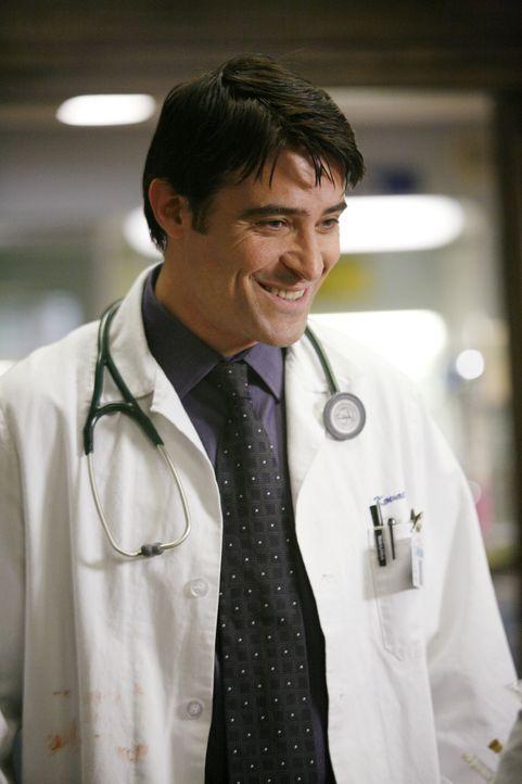 Kovac (Goran Visnjic) glaubt, dass er und Abby von Ames beobachtet und verfolgt wird ... - Bildquelle: Warner Bros. Television