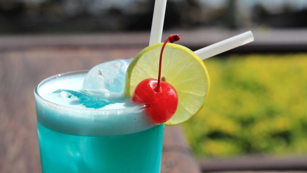 Der perfekte Party-Cocktail - Bildquelle: photosky99 - Fotolia
