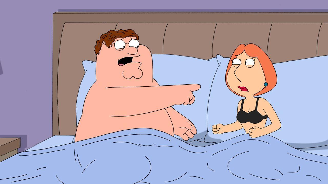 Um die Familienkasse aufzubessern, nimmt Lois (r.) heimlich einen ganz besonderen Job an. Doch wird Peter (l.) hinter ihr Geheimnis kommen? - Bildquelle: 2013 Twentieth Century Fox Film Corporation. All rights reserved.