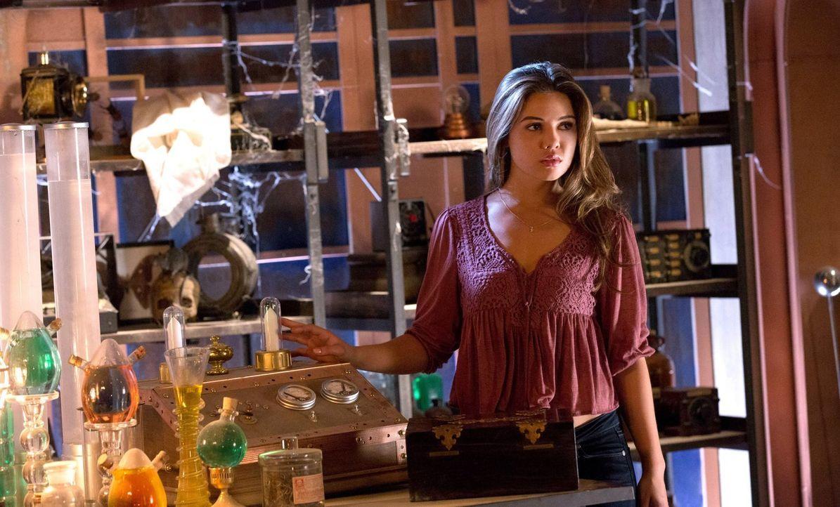 Plötzlich bekommt Davina (Danielle Campell) die Möglichkeit Klaus außer Gefecht zu setzten, ohne ihre Freunde mit in den Tod zu schicken ... - Bildquelle: Warner Bros. Television