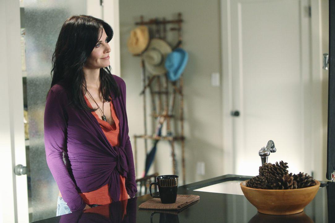 Jules (Courteney Cox) hat sich von Jeff getrennt und lässt sich nun von Bobby trösten - mit fatalen Folgen ... - Bildquelle: 2009 ABC INC.